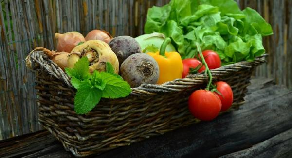 10 Simple Diet Hacks to Improve Everyday Nutrition
