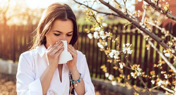 Hay Fever Causes, Symptoms and How To Deal With Them